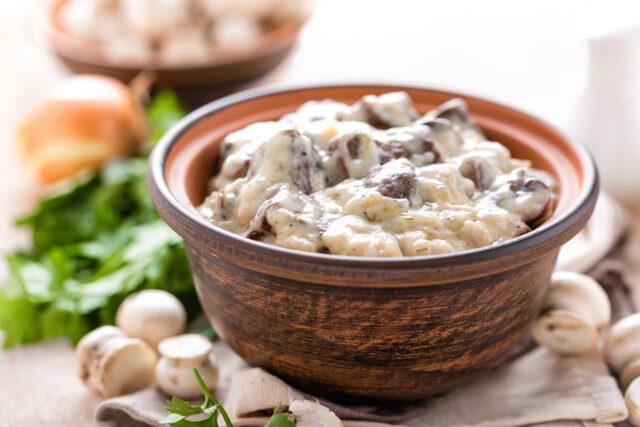 molho cremoso de cogumelos