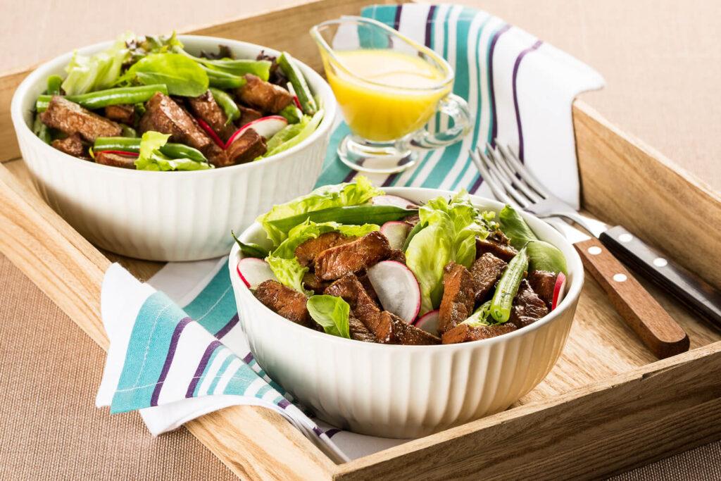 Salada com Tiras de Filé Mignon