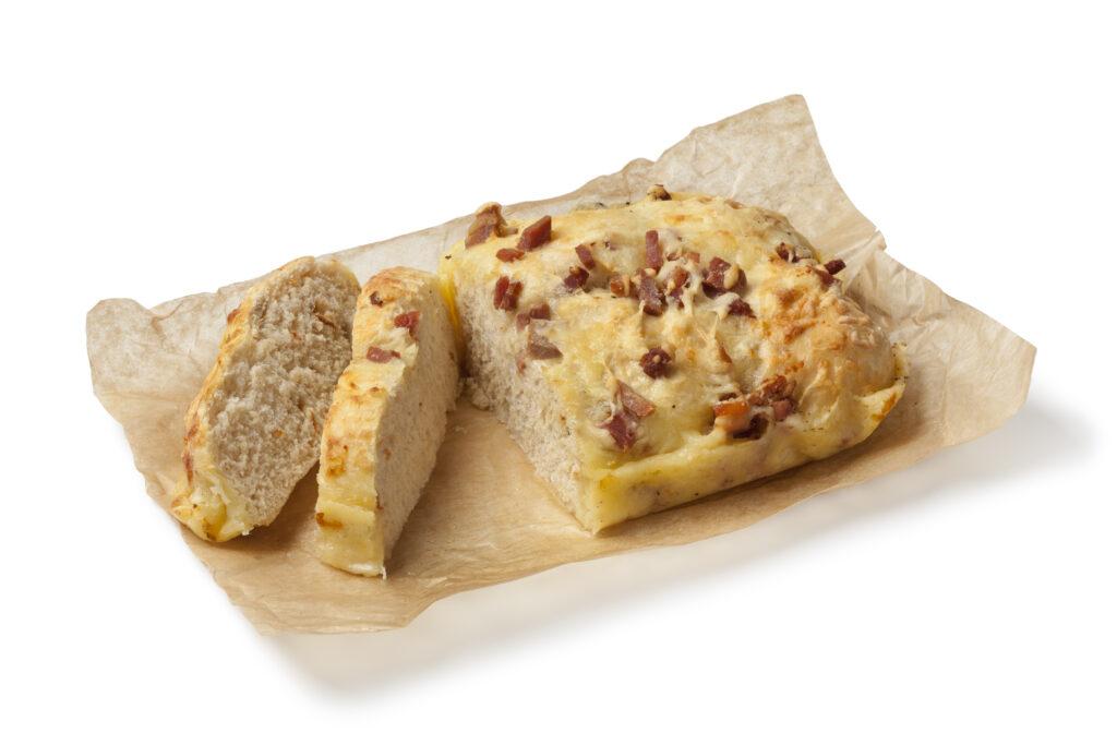Pão com Queijo e Bacon