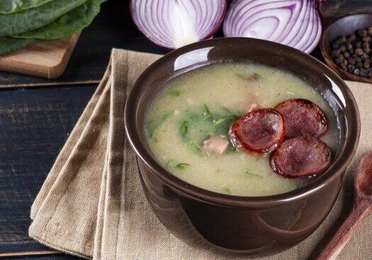 Caldo Verde com Bacon e Calabresa